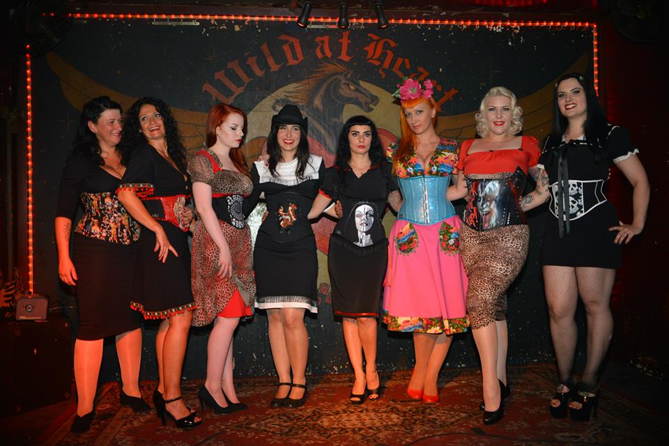 Unsere zauberhaften Models Ilse, Bettina, Marie, Maru, Valentina, Pony Maedchen, Heike, Hellmade Corsets ; Photography by Pluto