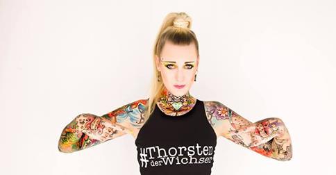 Tattoo convention mit lexy hell vandequell und pony maedchen
